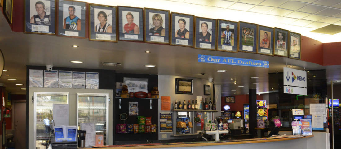 Wangaratta Club bar